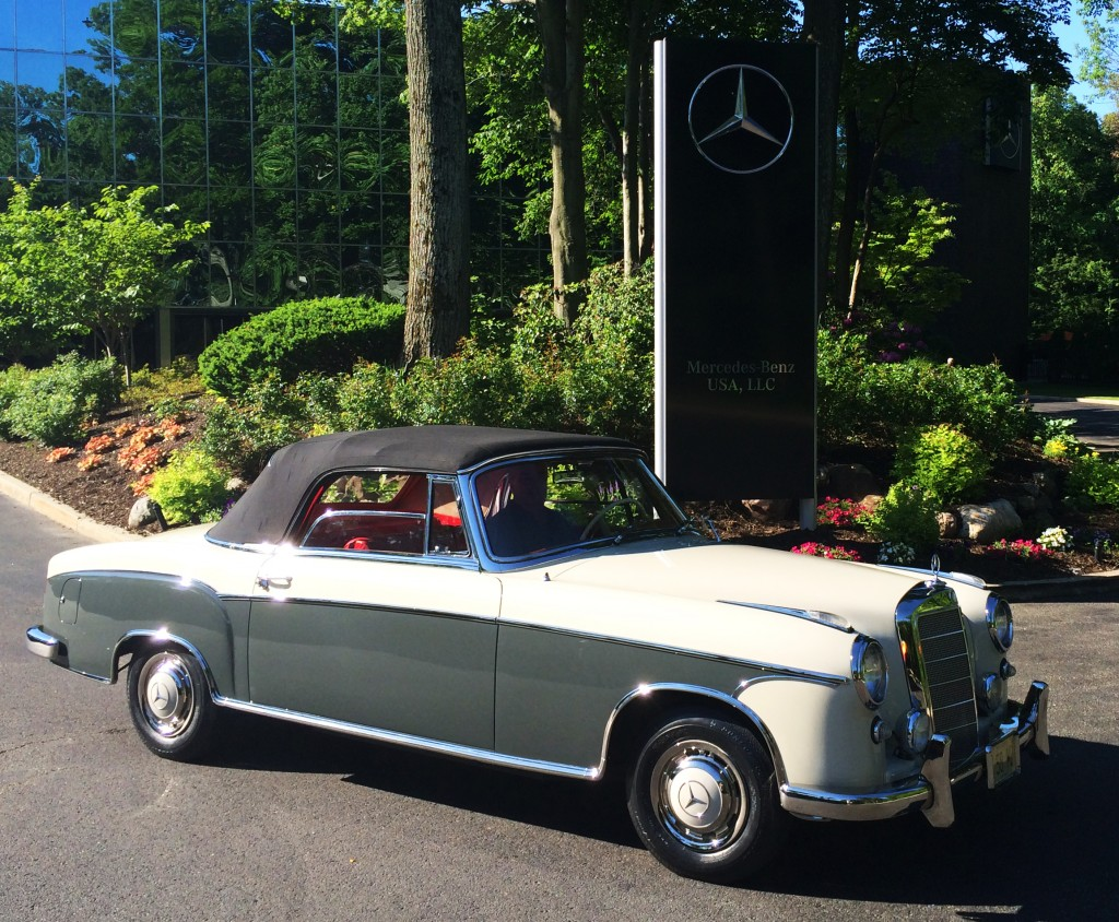 1958 mercedes 220s convertible at the 2014 june jamboree for Mercedes benz montvale nj