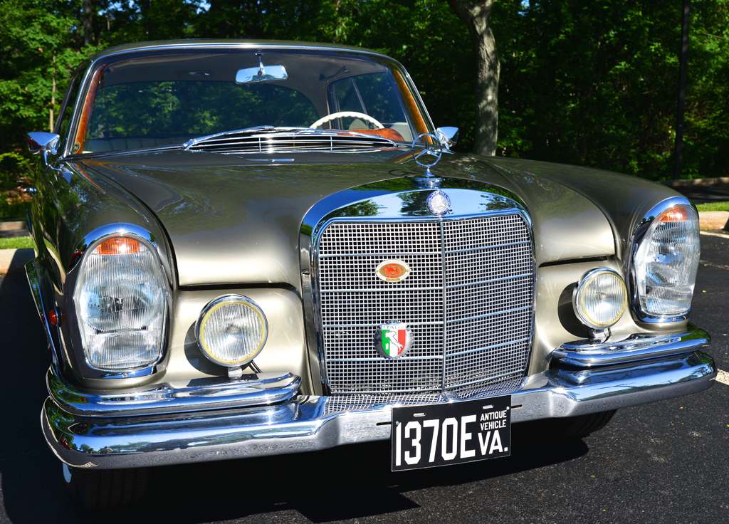 1966 mercedes 250se coupe at the 2014 june jamboree in for Mercedes benz montvale nj