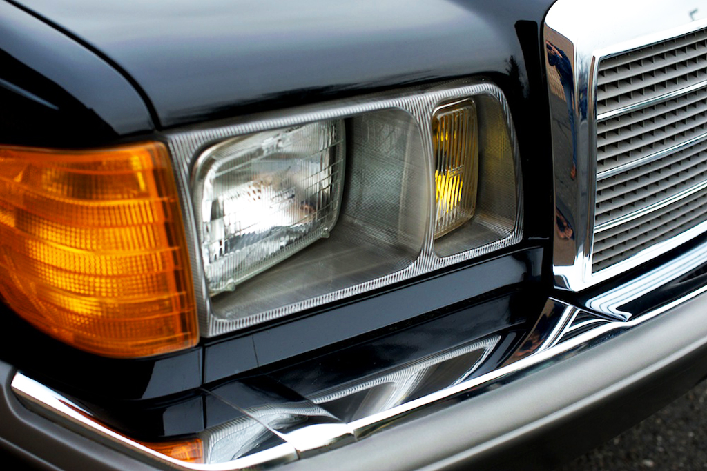 1981 mercedes headlight