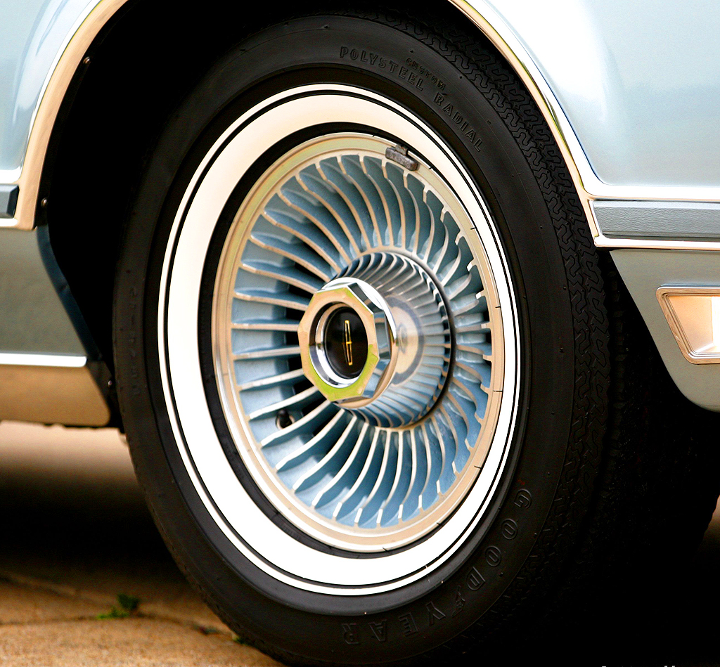 1978 Lincoln Mark V DJ blue wheel b