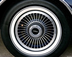 1979 Lincoln Mark V wheel