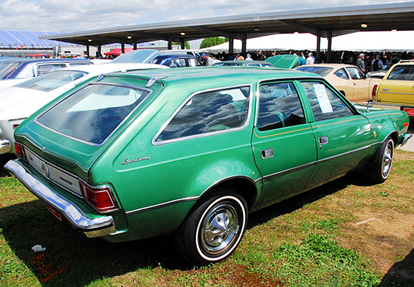 1972-73 AMC Hornet Gucci Edition exterior paint colors offered were snow white, hunter green, grasshopper green (shown), and yuca tan.  (Photo credit: K. Hollander)