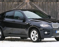 The BMW X6 is based on the X5 sport utility vehicle, but is neither sporty or utilitarian.  Low sales numbers show many have questioned its design.  (Photo credit: J. Smythe)