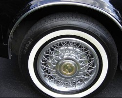 1978 and 1979 Seville Gucci editions were ordered with wire wheel covers - standard center caps with the Cadillac logo were replaced with ones bearing the Gucci insignia.  (Photo credit: P. Carbone)