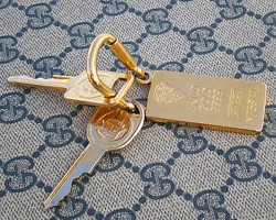 Gucci edition keys and keychain were gold trimmed.  (Photo credit: G. Sullivan)