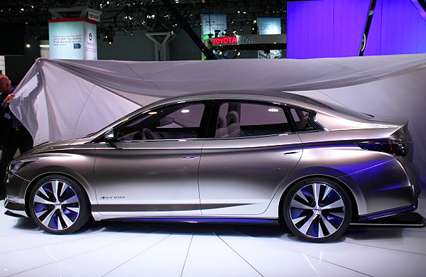 Infiniti displays its LE hybrid sedan concept car next week.  (Photo credit: Sean Connor)