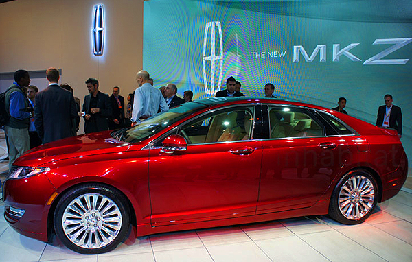 Lincoln makes its world debut of the new MKZ luxury sedan at the NY show next week. Its all-touch-screen gauges and control buttons are worth seeing alone.  (Photo credit: Sean Connor)