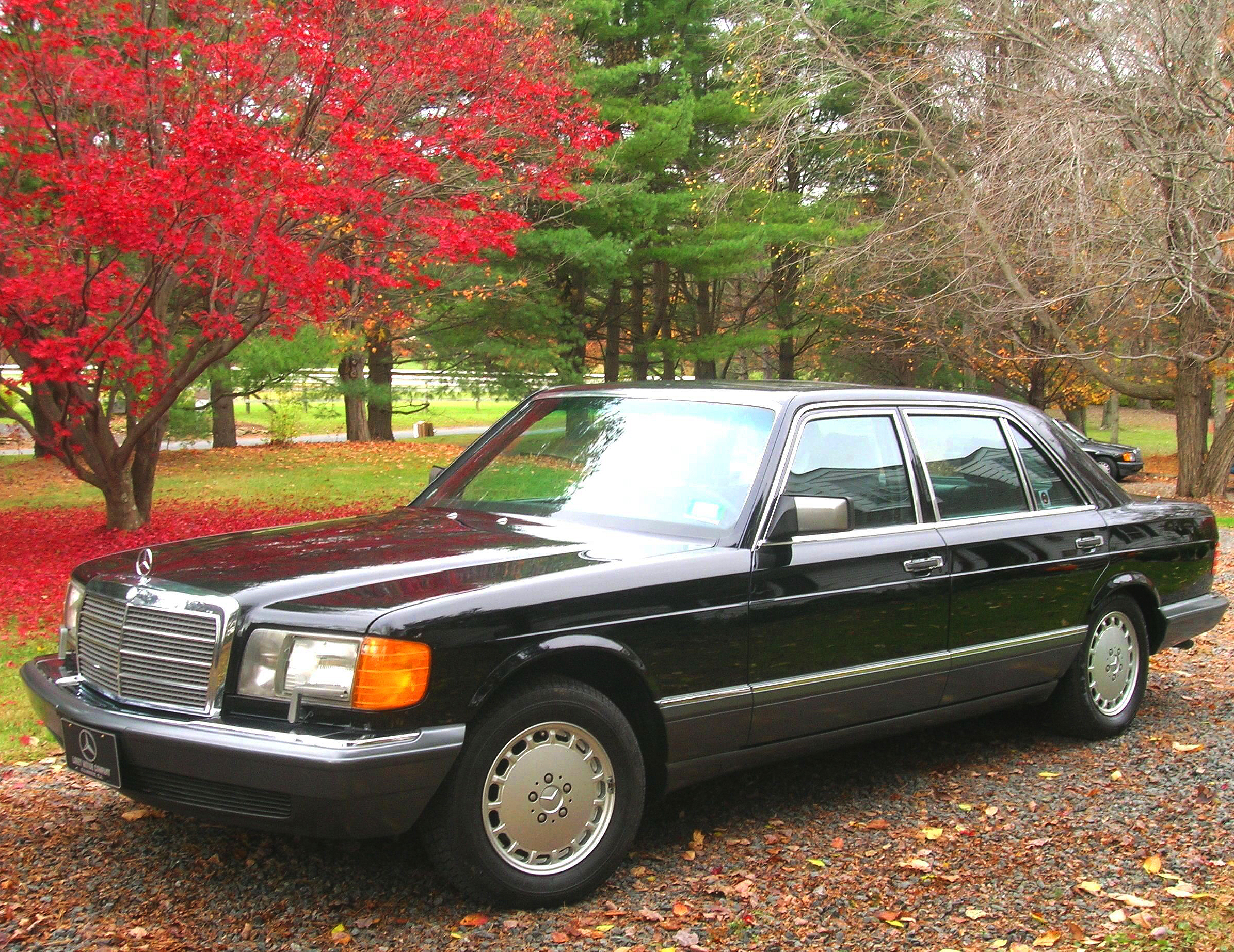 Mercedes 1991 560sel black a classic cars today online for 1991 mercedes benz 560sel