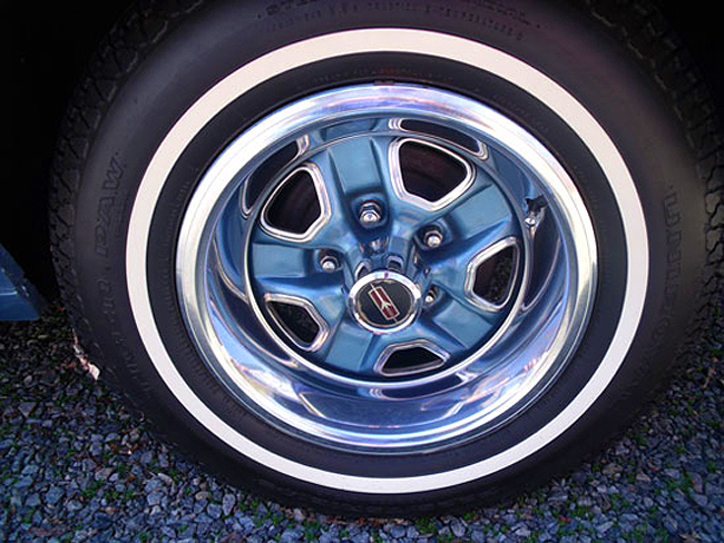 1969 Oldsmobile Cutlass Supreme rallye wheel