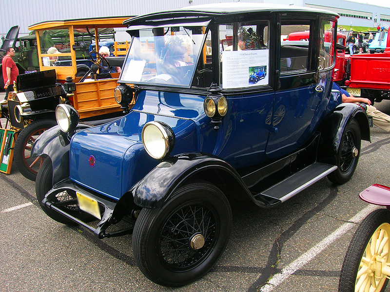 1914 Detroit Electra electric car, picture 1.  (Owned by Ira Pitel)