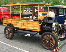 1914 Ford Model T delivery truck.  (Owned by Bob Cacchio)