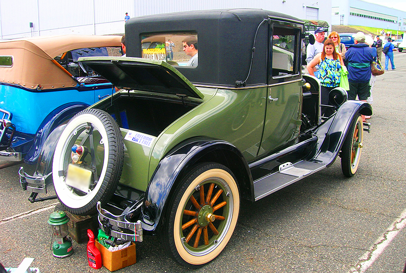 1926 Chevrolet coupe with vinyl roof covering.  (Owned by Bob Benson)