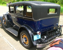 1929 Chrysler sedan with vinyl roof covering.  (Owned by Ed Symonds)