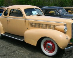 1937 LaSalle coupe.  (Owned by Paul Cusano)