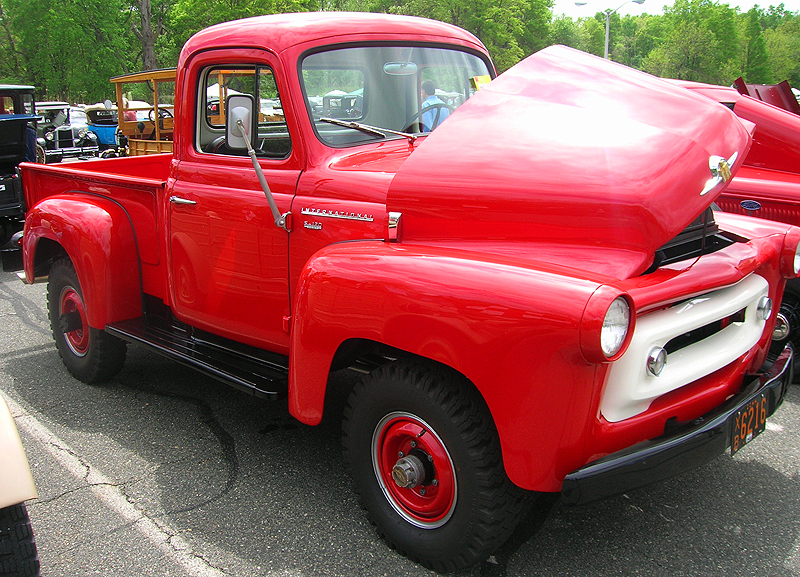 1956 International S-120 heavy duty pickup truck.  (Owned by Tom Austin)