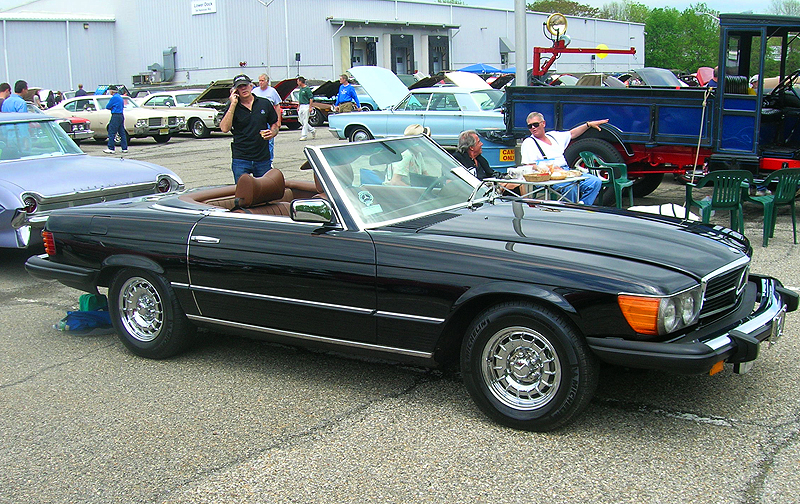 1976 Mercedes 450SL.  (Owned by Ralph Esposito)