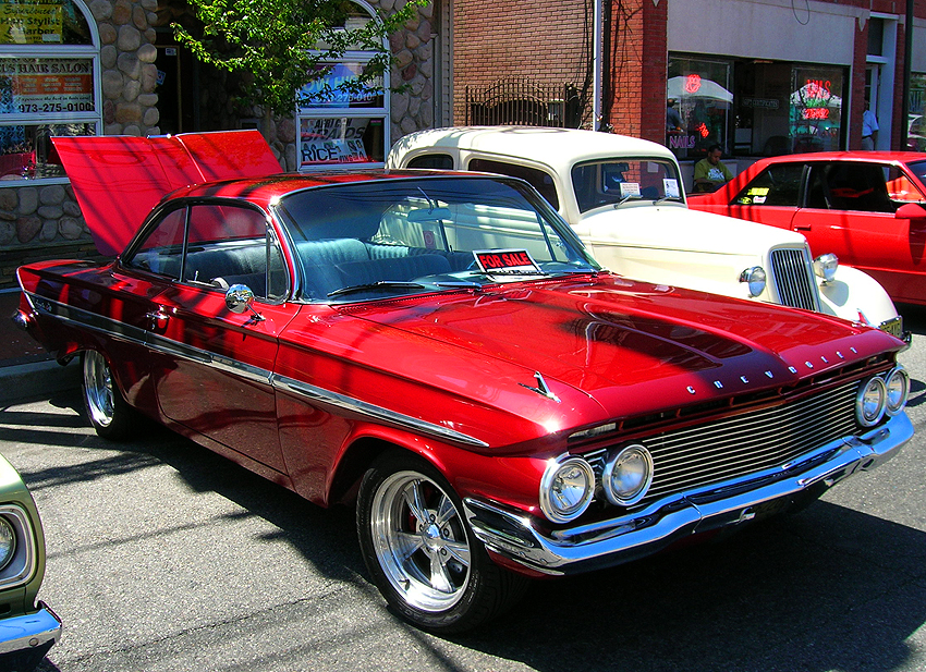 1961 Chevrolet Impala hardtop coupe equipped with aftermarket wheels.  (Photo credit: Sean Connor)