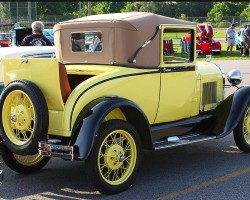 1928 Ford Model A vinyl roof