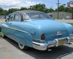 A 1950 Lincoln Lido coupe equipped with optional vinyl roof covering.  The option didn't catch on and was dropped the following year.  (Photo credit: Len Jefford)