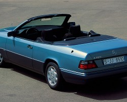 Second view of a Euro market E220 Cabriolet.  (Photo credit: Mercedes-Benz Classic)
