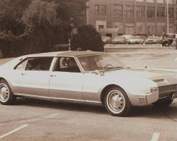 1968 Oldsmobile Toronado 4-door