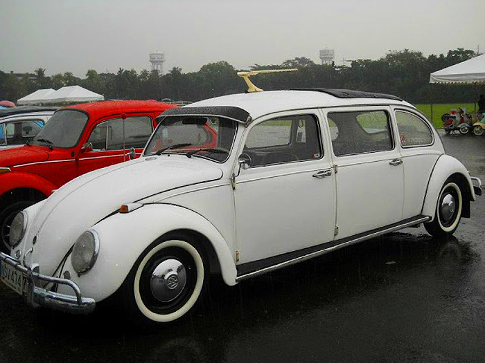 A customized 4-door Beetle at the VW Phillippines Club annual show.  (Photo credit: Konted)