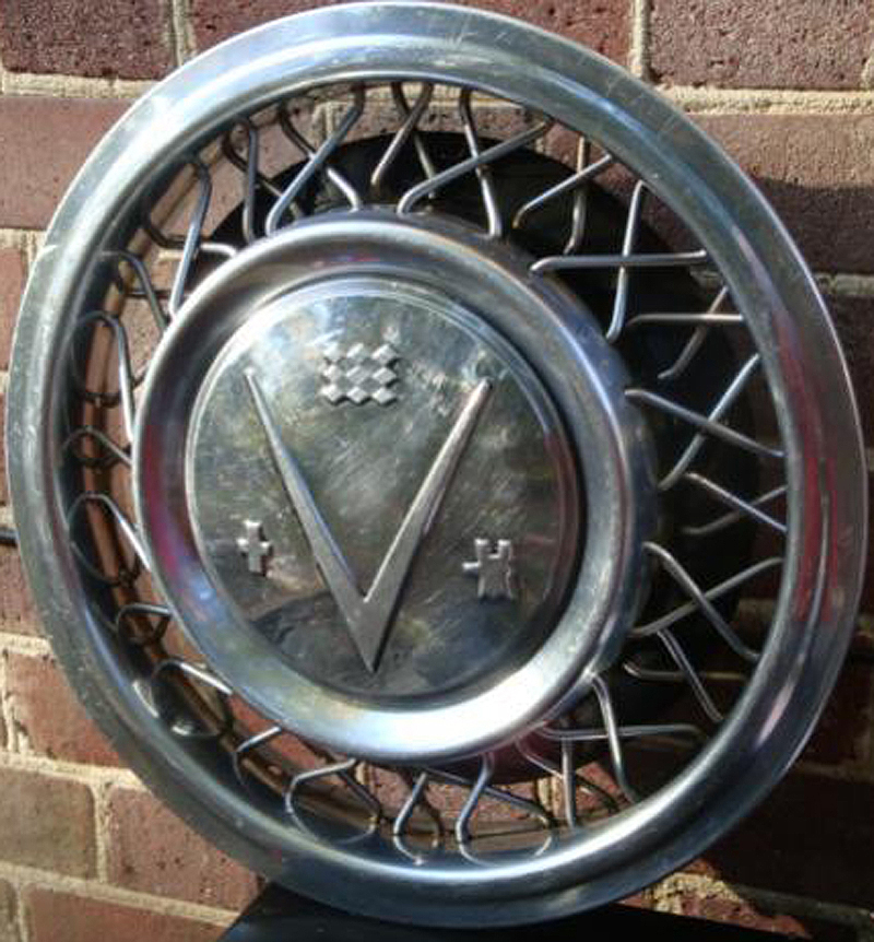 1953 Buick wire wheel cover