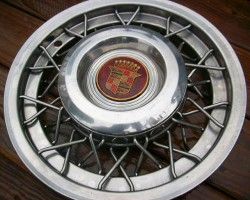 1953 - 1955 Cadillac wire wheel cover