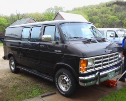 """(32 model years)  1971 - 2003 DODGE FULL SIZE VANS.  Originally sold as the """"Dodge Tradesman"""", Dodge's full size vans saw production spanning four decades with minor cosmetic revisions.  Shown here is a 1992 Ram van.  (Photo credit: T. Ingersoll)"""