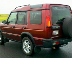 2003 - 2004 Discovery left rear view.  2003 model shown.  (Photo credit: J. Nielsen)