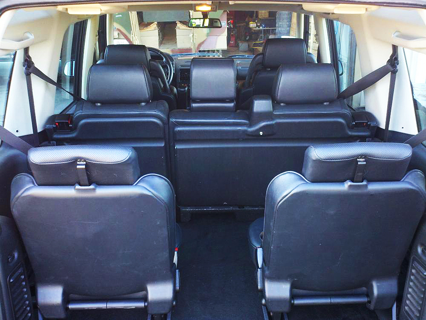interior view from rear into a 7 passenger land rover discovery classic cars today online. Black Bedroom Furniture Sets. Home Design Ideas
