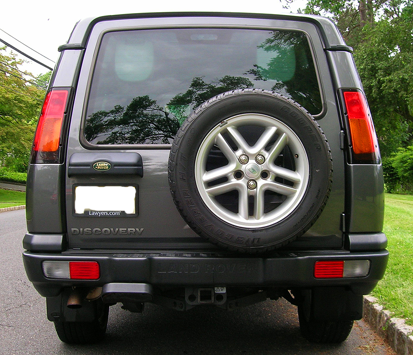 The 1999 2004 land rover discovery ii a look back at for Classic house 2004
