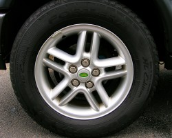 "From 2002 - 2004, the 18-inch wheels were revised slightly to feature air holes in the center of each spoke.  This design is known as the ""Hurricane"" wheel. (Photo credit: Sean Connor)"