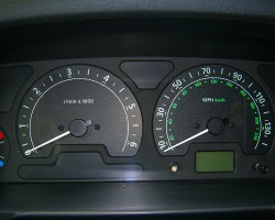 Instrument clusters on 2003 - 2004 Discoverys were slightly revised, as seen on this '04 model.  (Photo credit: Sean Connor)