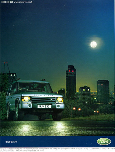 Another U.K. market advertisement for the 2004 Discovery.  All eyes are on it...  (Photo credit: Land Rover U.K.)