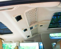 Sunroofs were not standard equipment on base model Discoverys.  Higher trim models featured dual power ones, as seen on this 2004 SE.  (Photo credit: H. Norris)