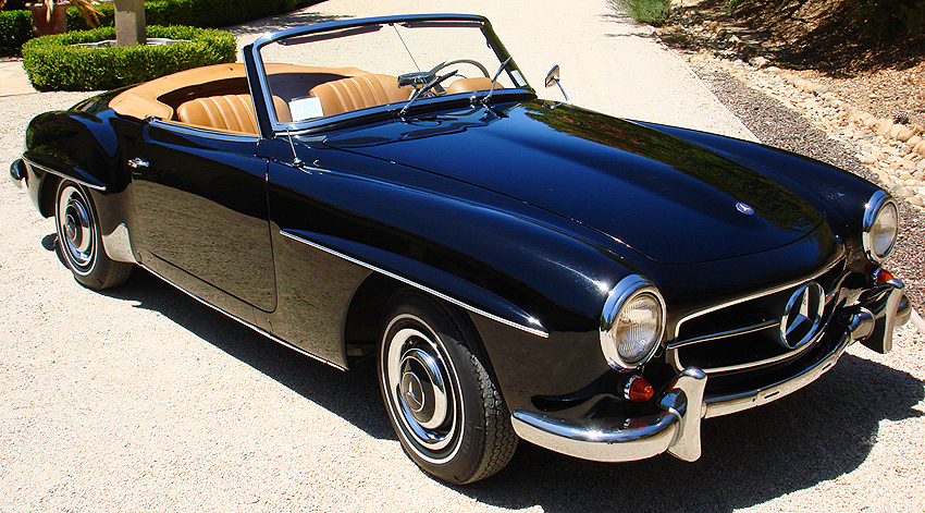 This photo allows a closer look at the diminutive size of an actual 1955 - 1963 style 190SL.  A 1961 model is shown here.  (Photo credit: B. Barry)