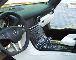 2012 Mercedes SLS Gullwing coupe interior.  (Photo credit: Sean Connor)