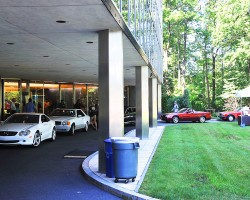 The circular drive covered entry way at Mercedes-Benz Montvale, NJ headquarters.  (Photo credit: Carl Schwartz)