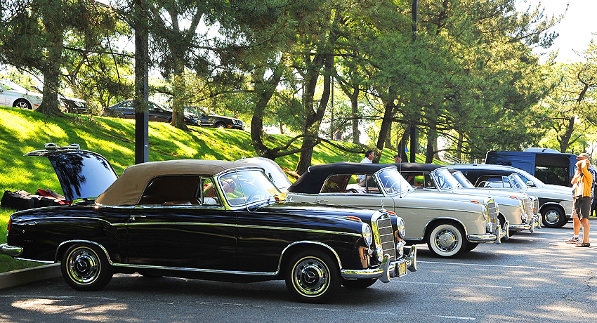 1957 and 1958 Mercedes 220S Cabriolets.  (Photo credit: Carl Schwartz)
