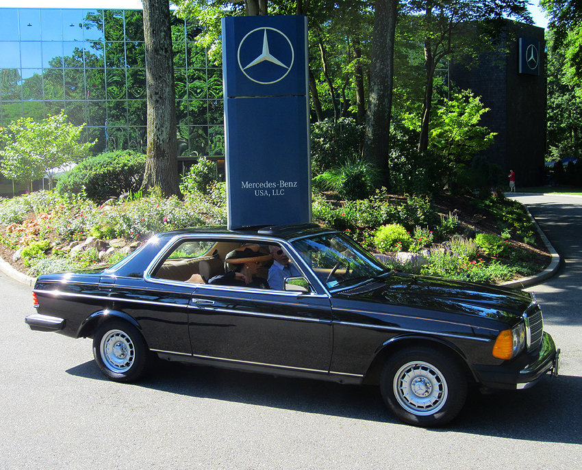1004 also How Does Mercedes Pre Safe Work 6535 likewise Mercedes 1978 240d Jj A additionally 1976 Mercedes 450sl A further 1967 Mercedes 600 B. on mercedes print ads