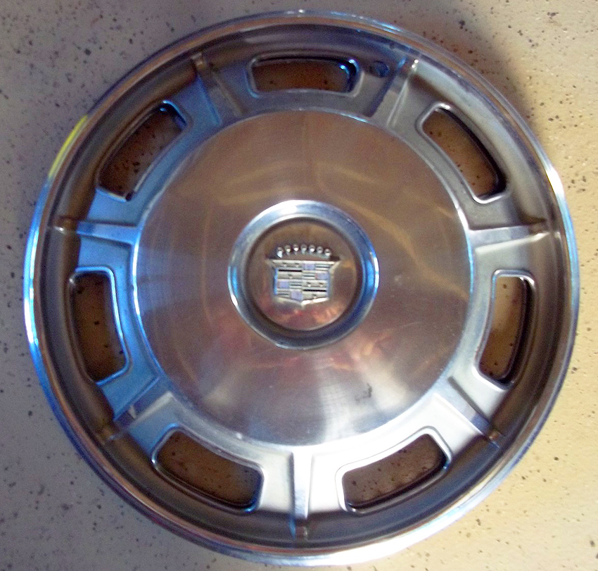 1967 68 Cadillac Eldorado Wheel Cover