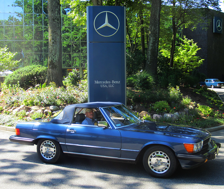 1989 Mercedes 560SL owned by George Heinze.