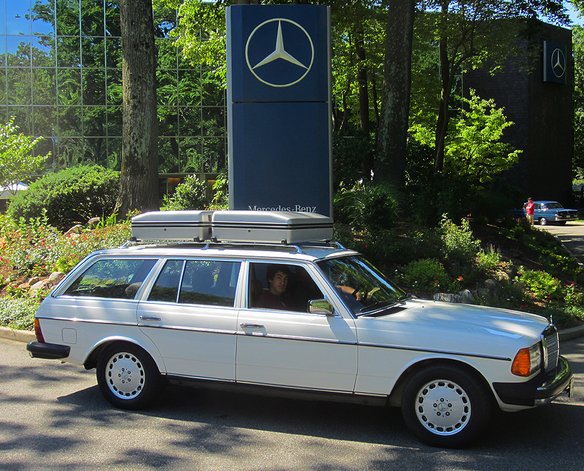 1985 Mercedes Benz 300td Wagon At 2012 June Jamboree In