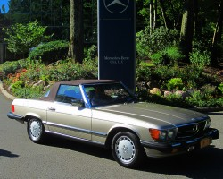 1987 Mercedes 560SL owned by Vinnie Milo.