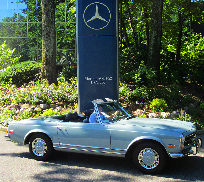 1971 Mercedes 280SL owned by Chuck Benz.