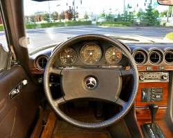 The non-airbag steering wheel design seen here was fitted on SLs from 1980 until midway through the 1985 model year when airbags were introduced.