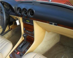 1982 and later SLs received more modern window switch buttons and heater control buttons.  (1982 380SL shown)
