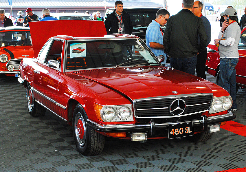 For 1973, U.S. market SLs were now badged as 450SLs instead of 350SL.