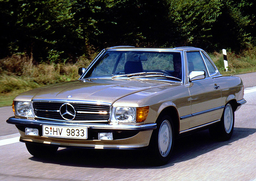 A Mercedes-Benz factory promo picture for the Euro market 1986 300SL.